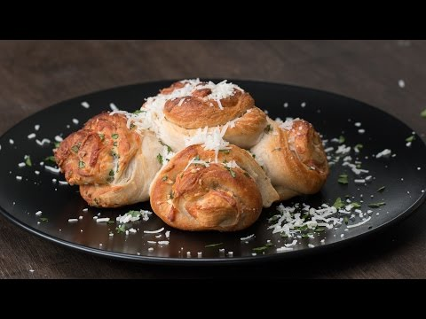 Garlic Parmesan Biscuit Roll-Ups