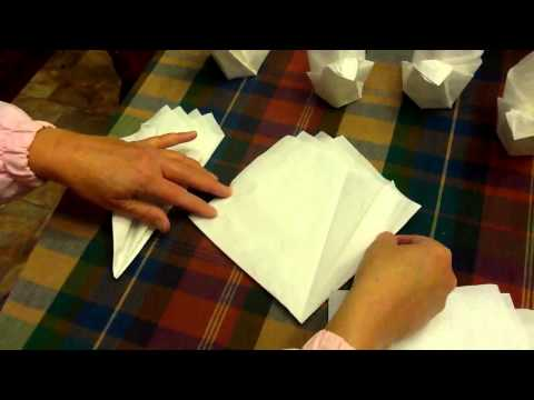 Folding napkins turkey