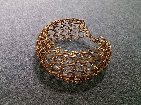 Knot wire bangle - jewelry making design 246