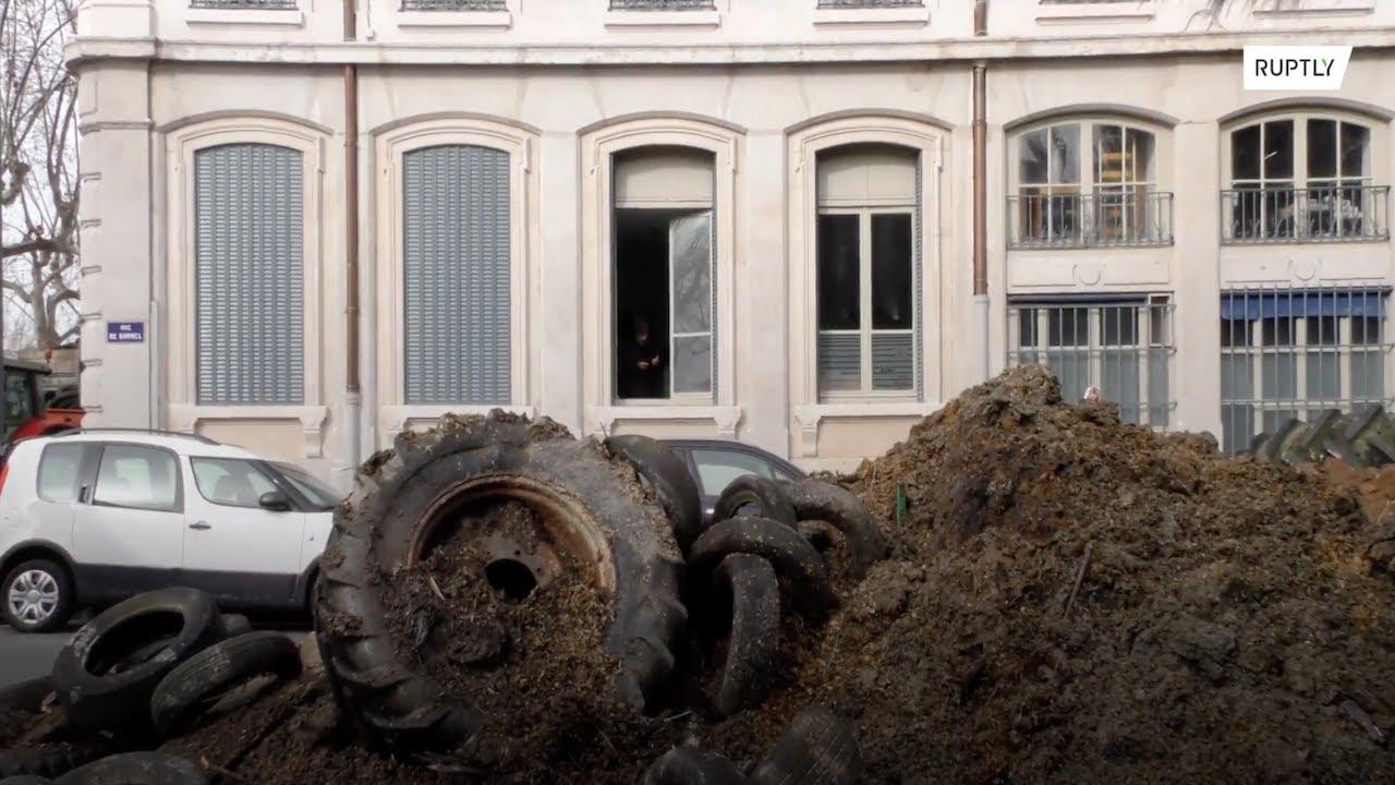 Farmers dump fertiliser outside Lyon government HQ as mayor keeps meat off school menus