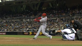 Ken Griffey Jr. smashes a homer in the 12th