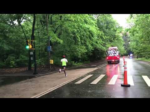 leader way out in front, 2018 Brooklyn Half Marathon, New York (5-19-18)