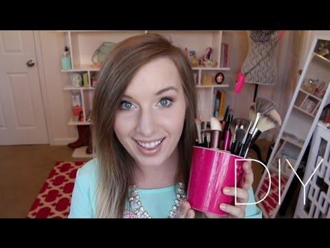 DIY Makeup Brush {How to Make a Makeup Brush}