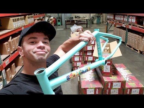 BUILDING MY NEW $2,000 RETRO 80s BMX BIKE!