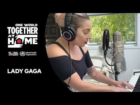 """Lady Gaga performs """"Smile"""" 