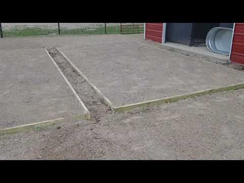 Dog kennel construction