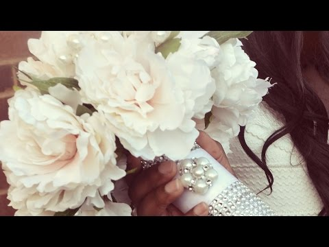 DIY Bridal Bouquet: Wedding flowers with decorated holder