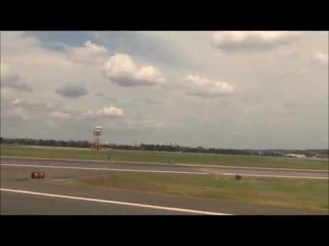 Landing at Ronald Reagan Washington National Airport. (DCA) United Flight.