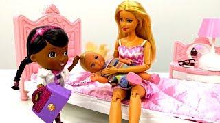 Download Куклы Барби: Штеффи упала со стола. Игры для девочек. Мультики с куклами Барби Video