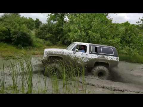 Chevy K5 Blazer on 44 boggers mudding