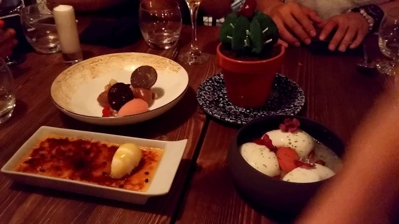 Dinner at Agust Gastobar Barcelona - Desserts presentation by the chef (French/English)