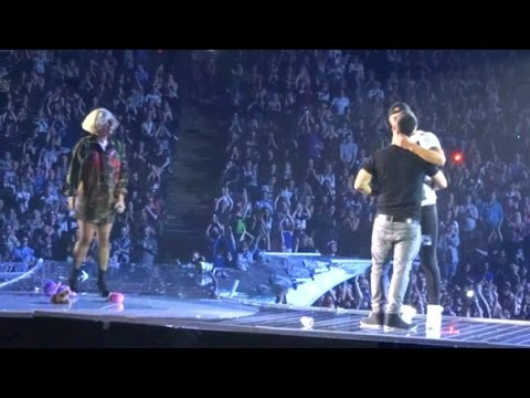 Lady Gaga - Marriage proposal on stage, ArtRave, Manchester Arena [HD]