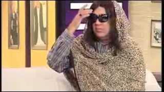 Azizi acting as film star Meera | Parody in Hasb e Haal Dunya News