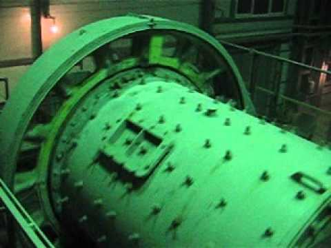 Ball mill start using MV VFD controlled synchronous motor