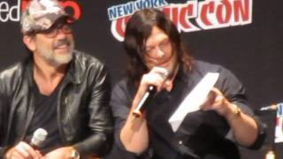 Norman Reedus reads Andrew Lincoln's message, The Walking Dead panel, NYCC 2016