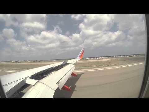 Southwest Airlines First International Flight Landing in Aruba!