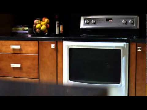 Whirlpool Gas and Electric Ranges: AquaLift Self Clean Technology