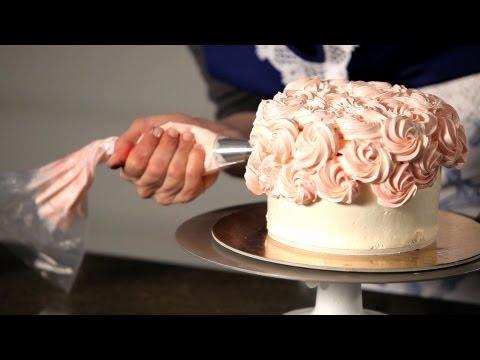 How to Do a Swirl Design | Wedding Cakes