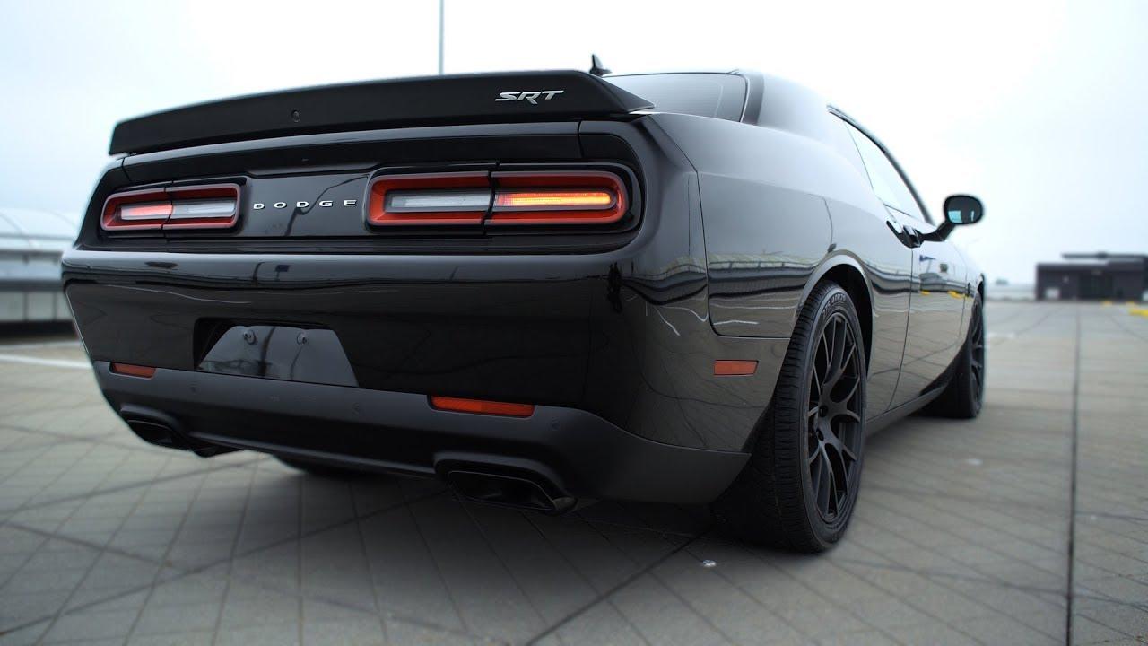 2016 Dodge Challenger SRT Hellcat - SOUND!