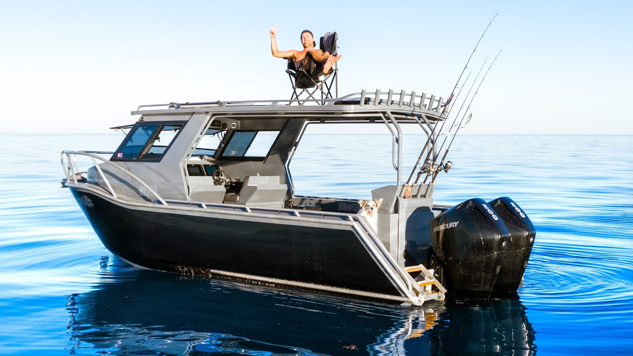 SOLO Two Days BOAT CAMPING in Remote Ocean - Spearfishing for Food - Catch and Cook