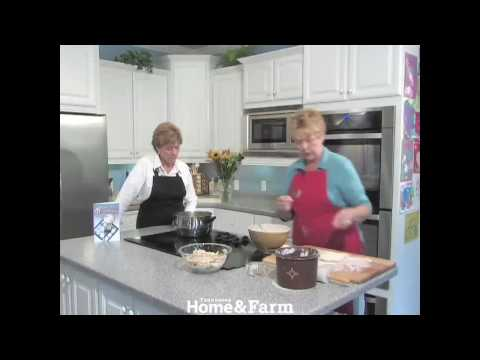 How To Make Chicken and Dumplings With Down-Home Dumplings Winner Bea Farmer