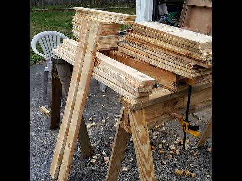 Reclaiming pallet wood, the easy way.  PMW # 13
