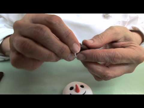 Mercedes Strachwsky How to Make a Satin Ice Snowman Cake