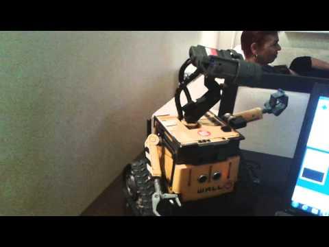 Wall-e The ROBOT !