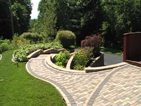 Retaining Wall & Patio Paver Design & Installation