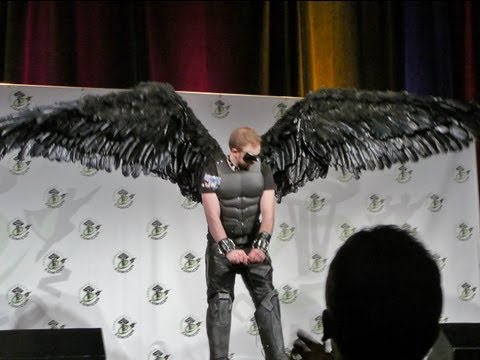 Comicon Masquerade Dark Angel Costume [ Articulating Wings In Motion ]