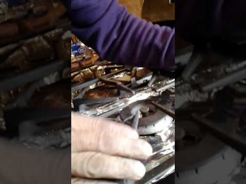 HOW TO FOIL YOUR STOVE(1)