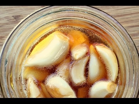 Fermented garlic recipe - probiotics - fermenting recipes - preserving brine