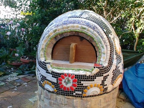 Making Wood Fired Clay, Earth, Cob Pizza Oven with Mosaic Deco 피자 화덕