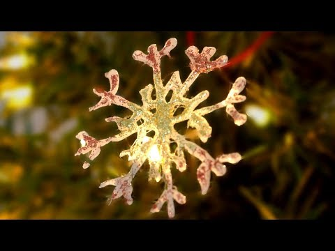 DIY Hot Glue Snowflake Ornament (DIY Christmas Ornaments)