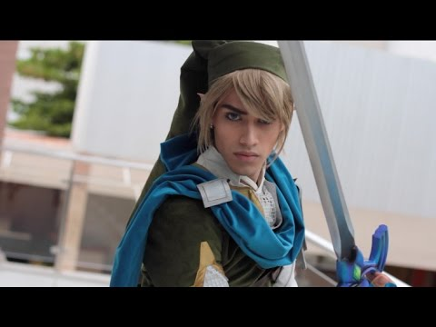 Link Cosplay From the Legend of Zelda