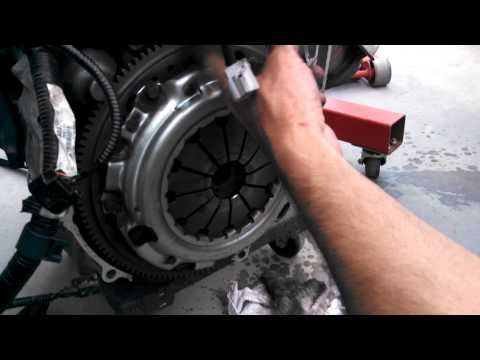 2008 civic si clutch release bearing / throwout bearing replacement