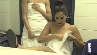 Total Divas Season 1, Episode 7 clip: Nikki Bella injures her shin