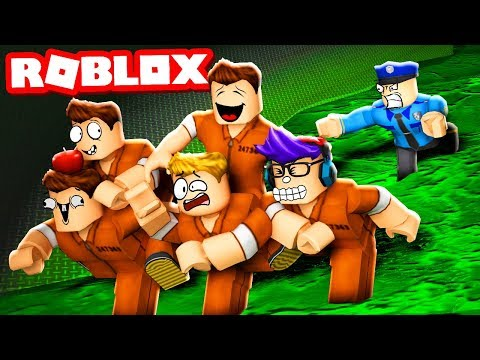 ESCAPING FROM THE PRISON SEWER DRAINS! (Roblox Jailbreak)