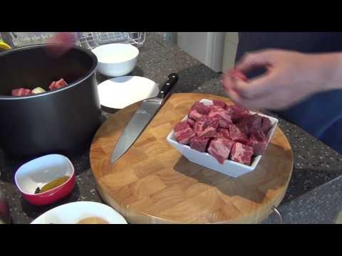 Preparing slow cooker beef curry