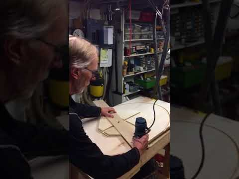 Router jig to cut elliptical table top