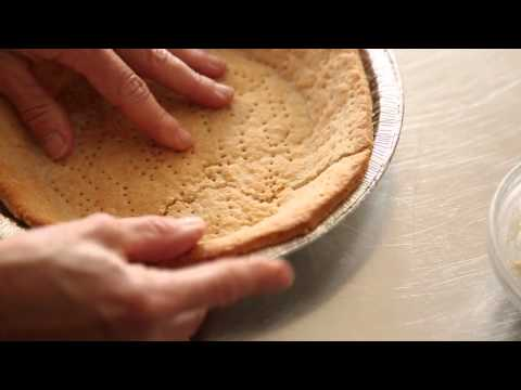 How to Fix a Cracked Pie Crust