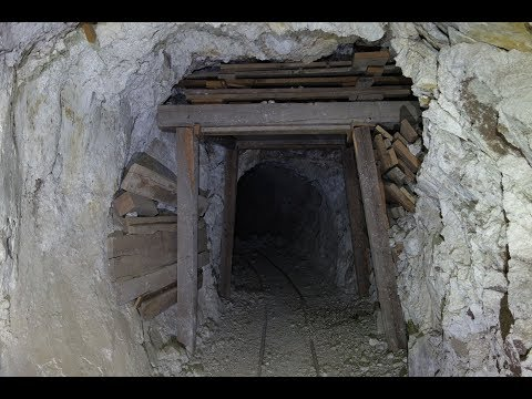 Exploring The Abandoned Coyote Mesa Mine - Part 1 of 2