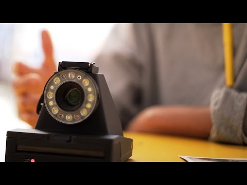 Impossible I-1: the instant camera that continues the Polaroid legacy