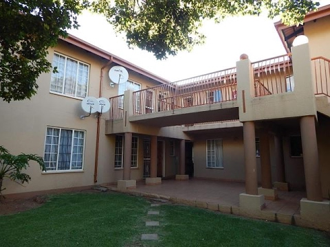 1 Bedroom Townhouse For Sale in Boskruin, Randburg, Gauteng, South Africa for ZAR 480,000