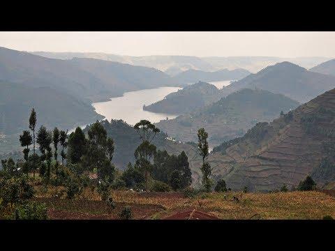 Uganda - landscape & Lake Bunyonyi