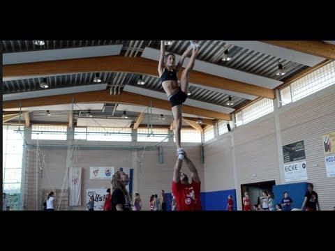 Coed Cheerleading Stunts
