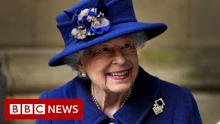 The Queen back at Windsor after hospital stay – BBC News