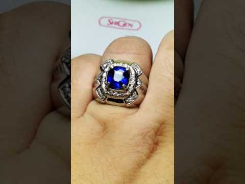 HQ Royal blue sapphire 2.51 cts + Certificate