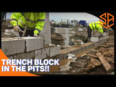 Bricklaying with Steve and Alex. RUNNING IN TRENCH BLOCK , LINE UP 2 !
