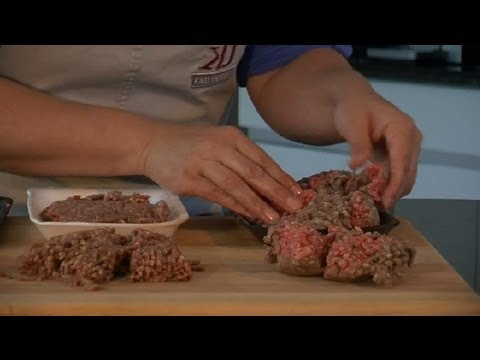 Is Hamburger Meat Spoiled When It Turns Grey or Brown Before Cooking? : Meat Preparation Tips